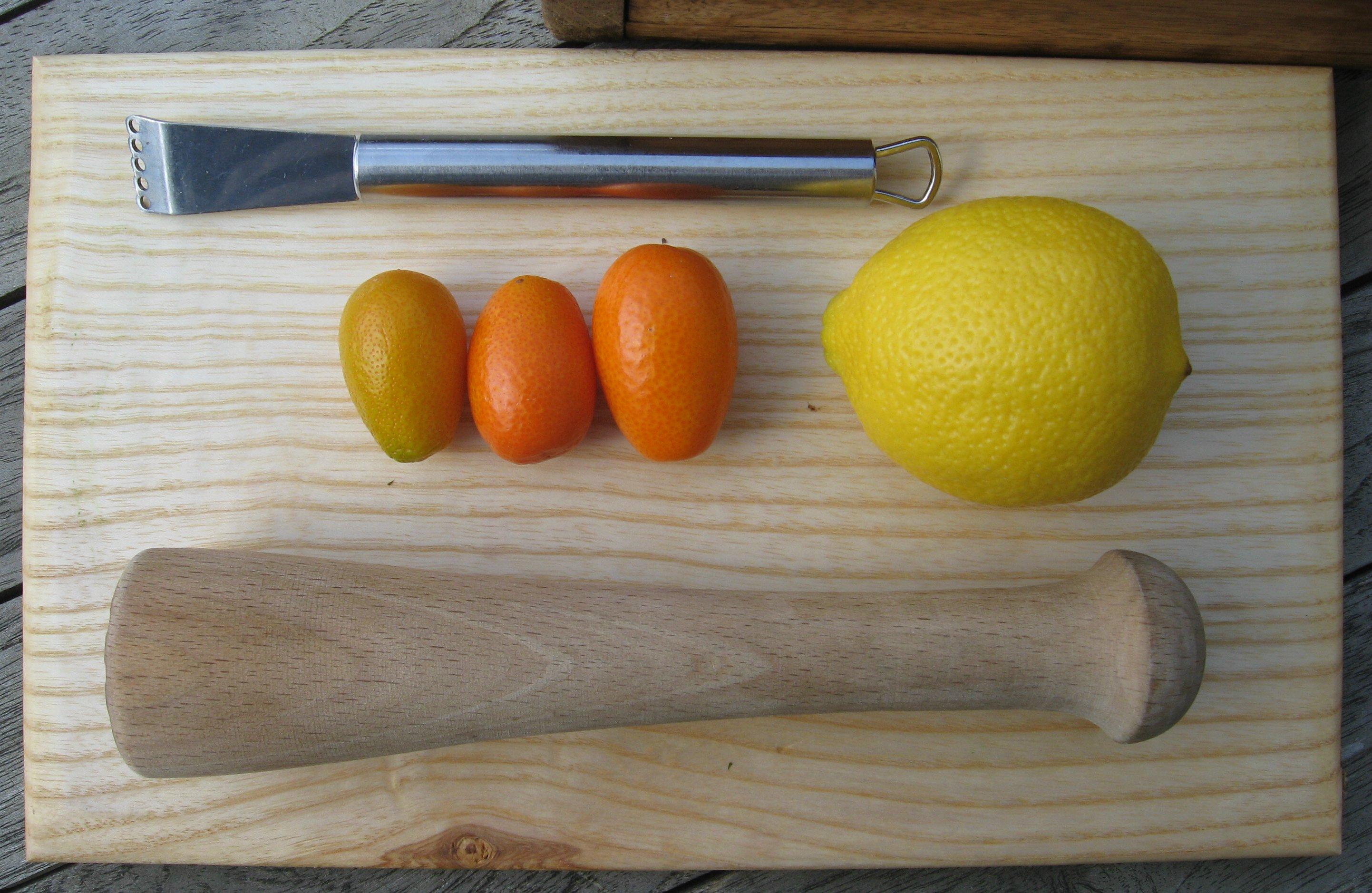 kumquat limo 2 stampfer zestenreisser und früchte